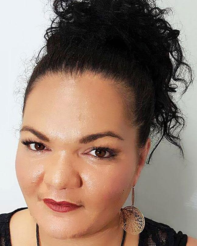 Renee, Lash specialist